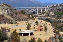TIRMANMA DUVARI - Kanyon Park Projesinde Çalışmalar Hızla Devam Ediyor
