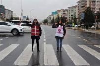 FıRAT ÜNIVERSITESI - Öğrenciler, Sürücüleri Emniyet Kemeri Konusunda Uyardı