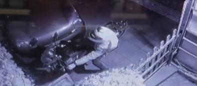 Etiler'de 10 saniyede 10 bin liralık motosiklet hırsızlığı kamerada