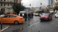 TİCARİ TAKSİ - Tepebaşı'nda Kırmızı Işıkta Geçtiği İddia Edilen Otomobile Taksi Çarptı