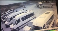 1 Kişinin Öldüğü, 18 Kişinin Yaralandığı Kaza Kamerada