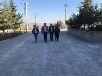 Çivril'de Yol Yapım Çalışmaları Sürüyor