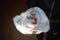 ÇEYREK ALTIN - Çöpte Atık Kağıt Ararken Bulduğu Altınları Polise Teslim Etti
