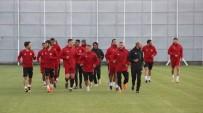 HAMZA HAMZAOĞLU - DG Sivasspor, Beşiktaş Maçına Yardımcı Antrenörlerle Hazırlanıyor