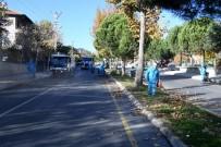 GÜLDEREN - Isparta Belediyesi'nden Sonbahar Temizliği