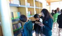 Millet Kıraathanesinin Kütüphanesine Yoğun İlgi