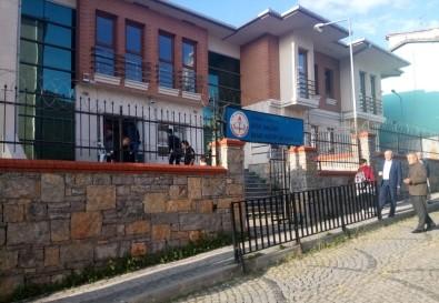 Üsküdar'da okulda öğretmene silahlı saldırı