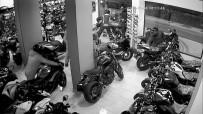 En Pahalı Motosikletleri 2.5 Dakikada Böyle Çaldılar