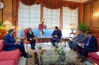 BARIŞ SÜRECİ - Pakistan Başbakanı Khan Açıklaması 'Pakistan Yemen'in Barış Sürecinde Rol Alabilir'