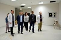 LABORATUVAR - Rektör Acer, Tüp Bebek Merkezinde İncelemelerde Bulundu