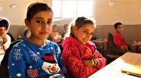 ÇALIŞAN ÇOCUKLAR - Suriye'de İç Savaşın İzleri Hala Duruyor