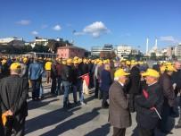 ADALET SARAYI - Taksici Esnafı 'Uber' Davası Öncesi Adliye Önünde Toplandı