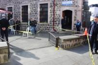 CENAZE NAMAZI - Cenaze Namazında Silahla Gelen Ölüm