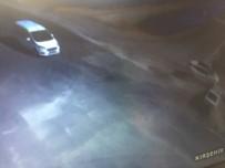 Cipin Çarptığı Aracın Tüm Kapıları Açıldı