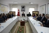 SOSYAL YARDıMLAŞMA VE DAYANıŞMA VAKFı - Dinar'da Bağımlılık İle Mücadele Toplantısı Yapıldı