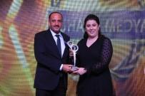 AHMET SELÇUK İLKAN - Fatih Duruay 'Yılın Gençlik Ve Spora Katkı' Ödülünü Aldı
