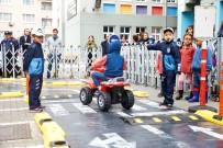 TRAFİK IŞIĞI - Gaziosmanpaşalı Minik Öğrenciler Okullarda Trafik Eğitimi Aldı