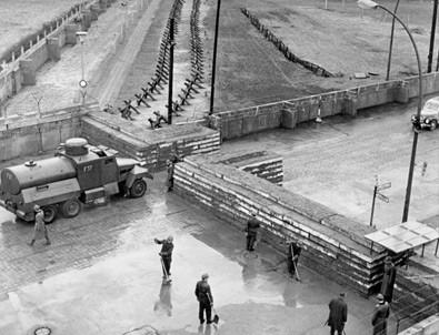 'Utanç Duvarı' 29 yıl önce yıkıldı