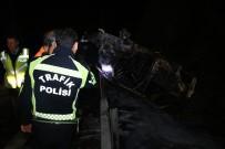 Kocaeli TEM Otoyolunda Takla Atan Otomobil Yanarak Küle Döndü Açıklaması 2'Si Ağır 4 Yaralı