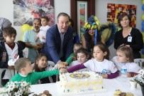 DOĞUM GÜNÜ PASTASI - Lösemiyi Yenip Pastayla Kutladılar