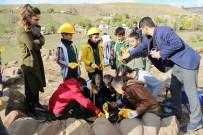 ARKEOLOJİK KAZI - Öğrenciler, Arkeolojik Kazı Yaptı