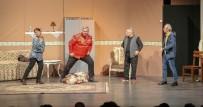 ÖZLEM ÇERÇIOĞLU - Şehir Tiyatrosu 'Entrikalı Dolap Komedyası'nı Seyirciyle Buluşturuyor