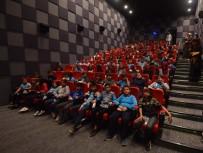 SİNEMA SALONU - 'Sinemaya Gitmeyen Çocuk Kalmasın' Projesi İsminin Hakkını Verdi