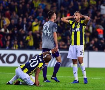 UEFA Avrupa Ligi Açıklaması Fenerbahçe Açıklaması 0 - Anderlecht Açıklaması 0 (İlk Yarı)