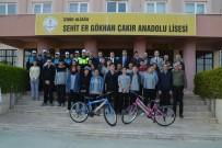 TRAFİK KURALLARI - Aliağa'da Öğrencilere Bisiklet