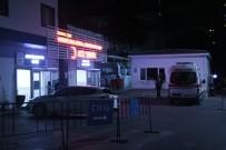 TAŞDELEN - Ambulans Yerine Park Eden Kişiyi Uyaran Ambulans Şoförü Bıçaklandı