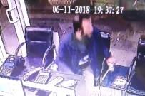 Bağış Kutusuna Göz Dikti, Güvenlik Kamerasına Yakalandı