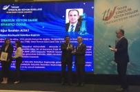 Başkan Altay'a 'Stratejik Vizyon Sahibi Siyasetçi' Ödülü