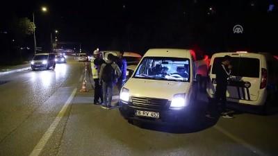 Bursa'da Hafif Ticari Araç İle Motosiklet Çarpıştı Açıklaması 2 Ölü, 1 Yaralı