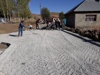 Çaldıran'da Yollar Parke Taşıyla Süsleniyor