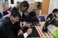Engelsiz Hobi Kursları'nda Eğitimler Devam Ediyor