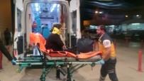 PORSUK - Hafif Ticari Aracın Çarptığı Kadın Ölümden Döndü