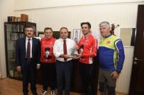 BİSİKLET TURU - Samsun'dan Yola Çıkan Bisikletçilerin İlk Durağı Çorum Oldu