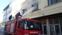 Siirt'te Korkutan Yangın Açıklaması 3 Kişi Dumandan Etkilendi