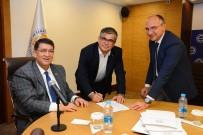 ESNAF VE SANATKARLAR ODALARı BIRLIĞI - Tarihi Demircileriçi Çarşısı Sahaf Tezgahları Sözleşmesi İmzalandı