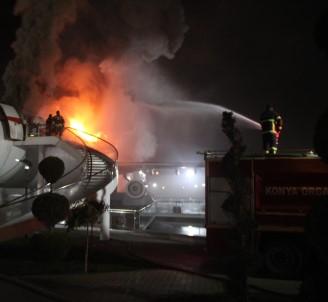 Uçak Restoranda Yangın