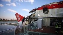 Yanan Uçak Restoranda İnceleme Sürüyor