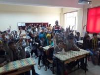KIRMIZI IŞIK - Bingöl'de Jandarma Ekipleri, Öğrencileri Bilgilendirdi