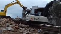 KAÇAK YAPI - Didim'de Turizm Alanındaki 36 Kaçak Yapı Yıkıldı