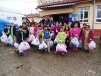DENİZ FENERİ - Hisarcık'ta 250 Öğrenciye Mont Ve Bot