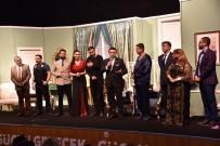 CENGIZ KÜÇÜKAYVAZ - 'Yalan Dolan' 4. Uluslararası Bozüyük Metristepe Tiyatro Günleri'nde