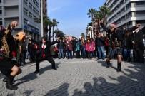MEHMET BAYıNDıR - Zeybek Oynayarak Büyükşehir Adaylığını Açıkladı