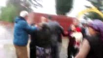 Adana'da Taşlı Sopalı Kavga Açıklaması 2 Yaralı