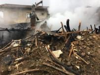 AHŞAP EV - Altıntaş'ta Yangın Açıklaması 1 Ev Tamamen Yanarak Kül Oldu