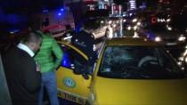 TRAFİK YOĞUNLUĞU - Beyoğlu'nda Trafik Kazası Açıklaması 2 Yaralı