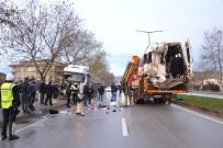 DAYAK - Çanakkale'de İşçi Minibüsü İle Tırın Çarpıştığı Kaza
